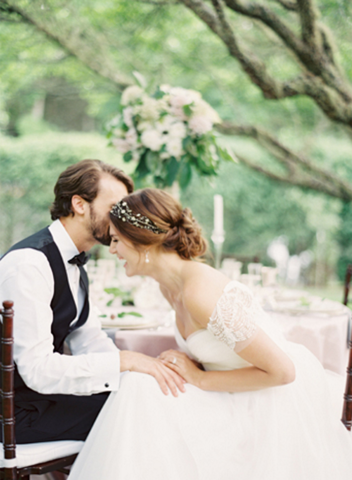 早春のウェディングのインスピレーション<br />Early spring wedding inspiration from Old edwards north carolina