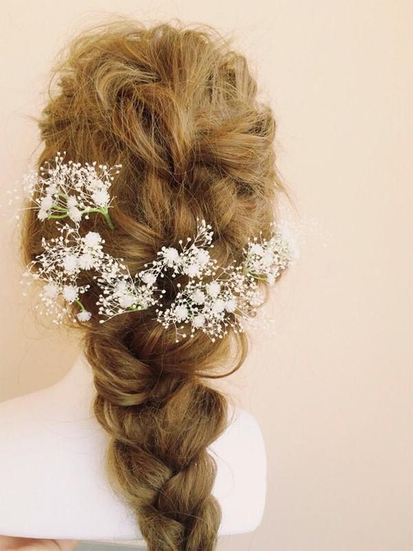 日本で買えるかすみ草で作る花嫁のヘアースタイルグッズ1
