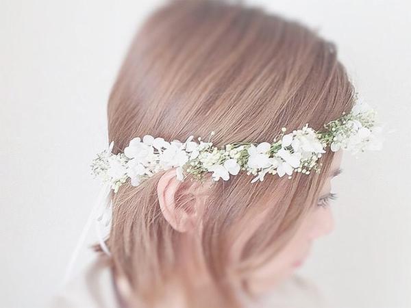 日本で買えるかすみ草で作る花嫁のヘアースタイルグッズ5