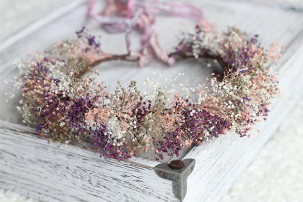 日本で買えるかすみ草で作る花嫁のヘアースタイルグッズ6