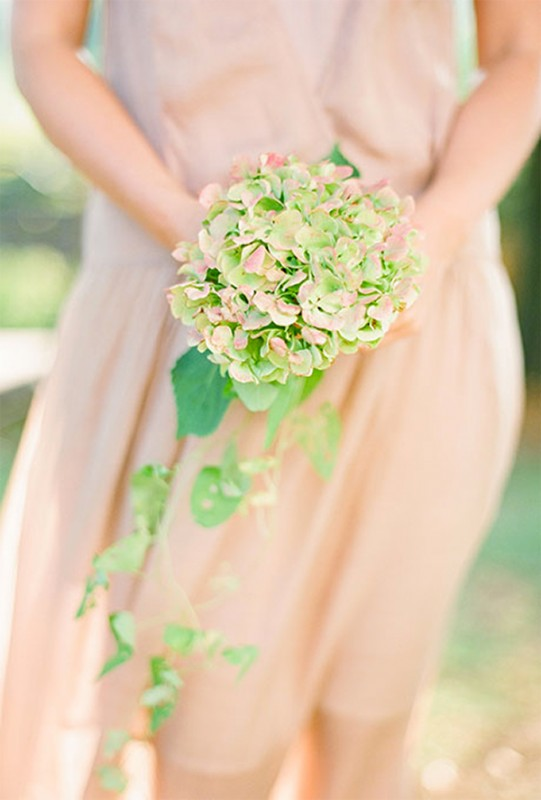 15 hydrangea wedding bouquets ideas4