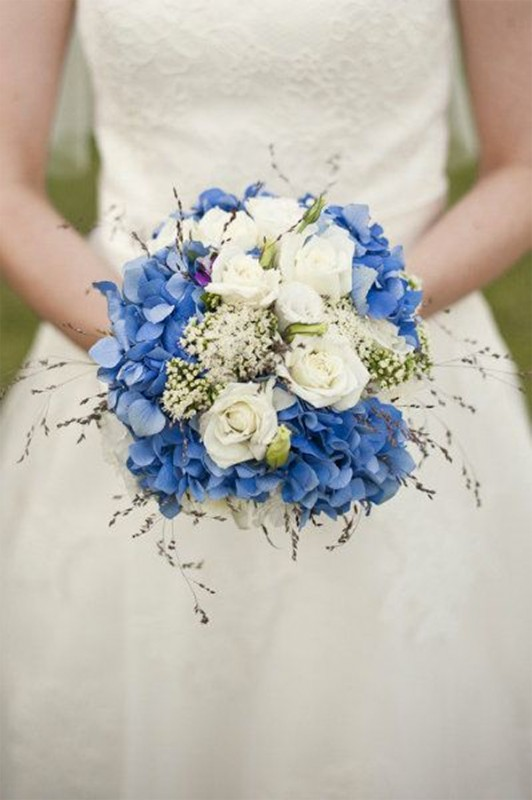 15 hydrangea wedding bouquets ideas6