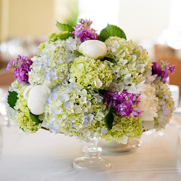 17 hydrangea wedding centerpiece ideas6