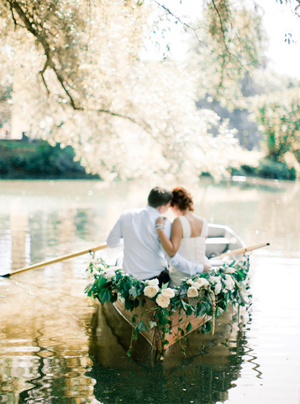 Romantic Canoe Wedding in Forest2