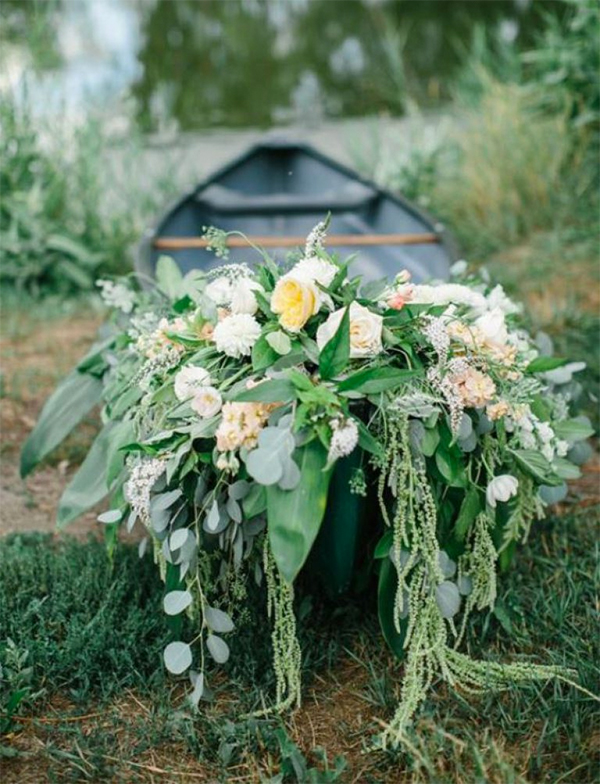 Romantic Canoe Wedding in Forest9