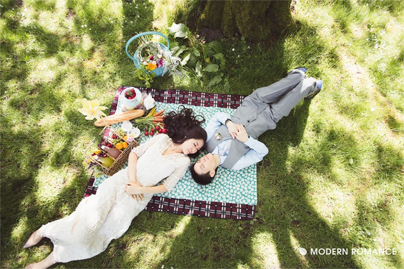 Summer picnic wedding ideas9