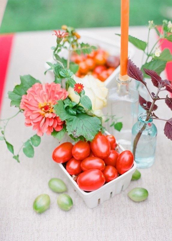 Inspiration for summer picnic wedding with red2