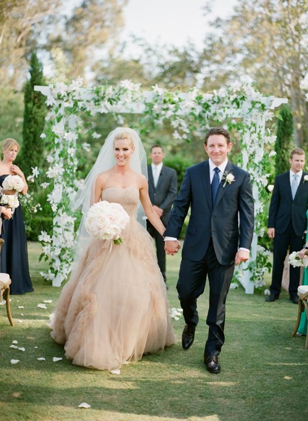 13 Romantic Champagne Wedding Dresses13