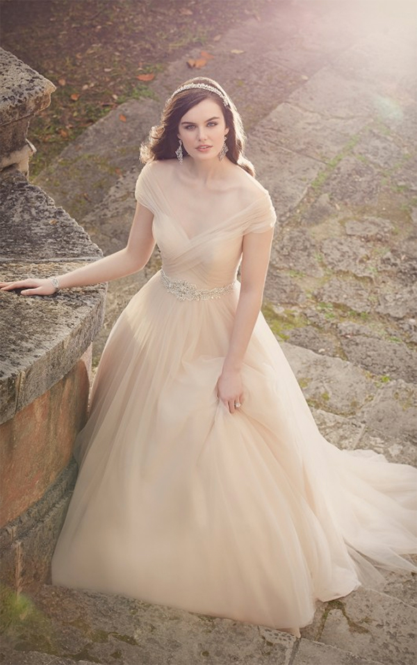 13 Romantic Champagne Wedding Dresses5