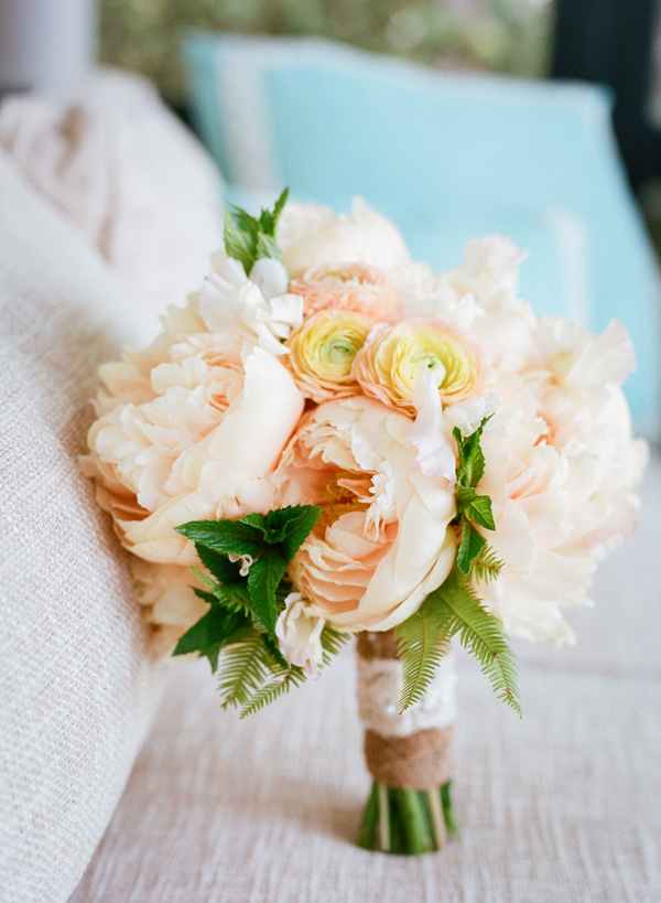 Inspiration for a Fresh peach summer wedding2