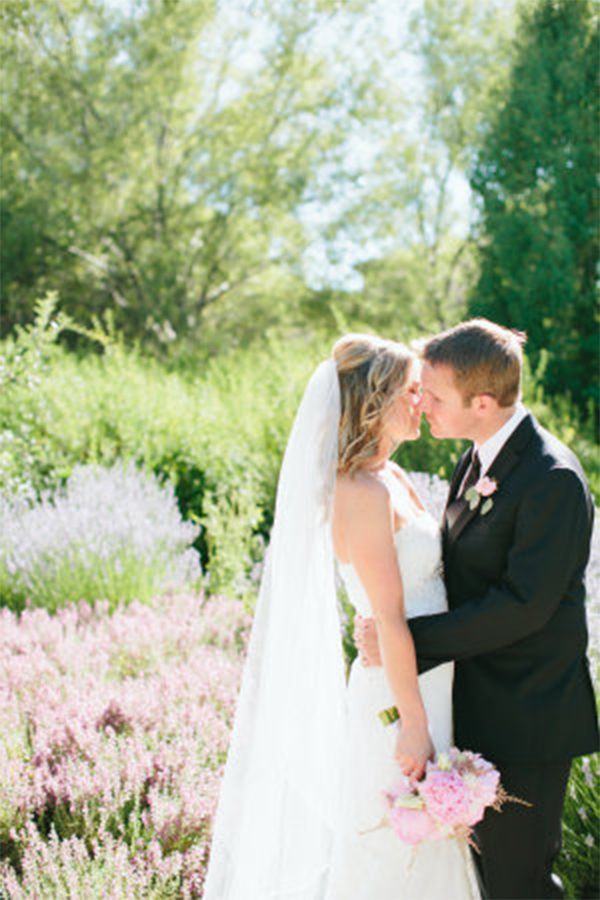 Fresh mint & pink color theme wedding in summer5