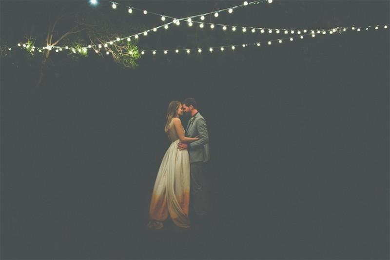 20 Romantic Night Wedding photo ideas1