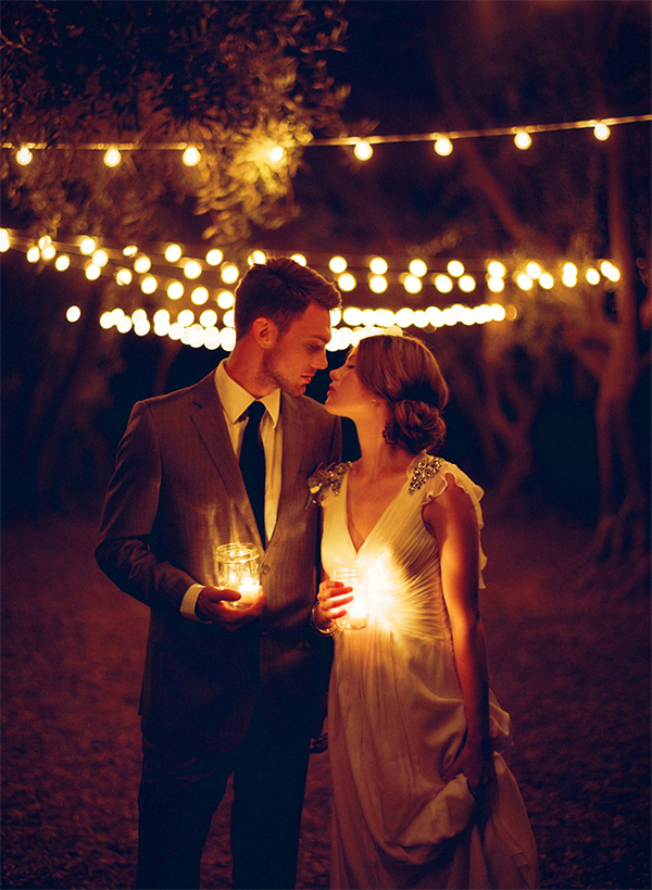 20 Romantic Night Wedding photo ideas10