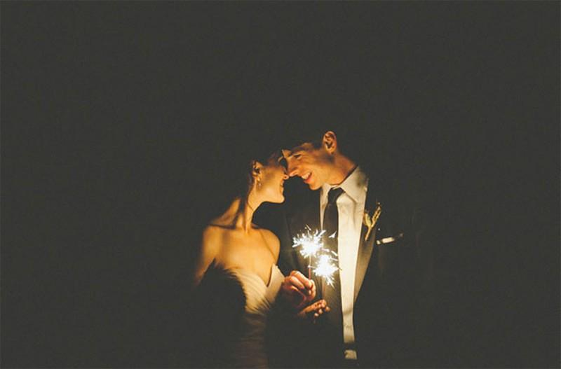 20 Romantic Night Wedding photo ideas14