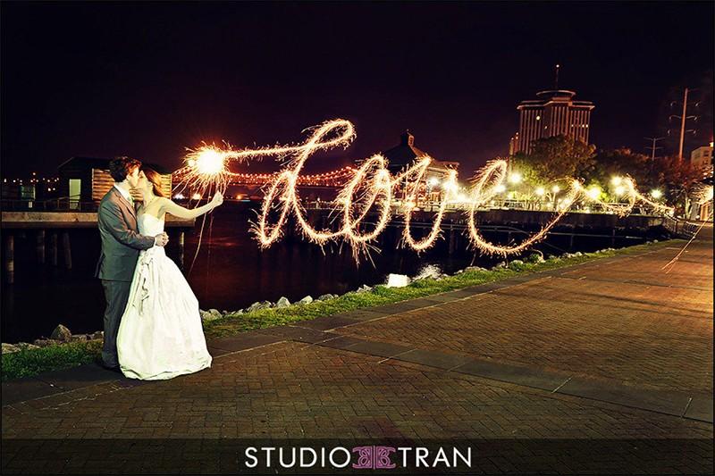 20 Romantic Night Wedding photo ideas16