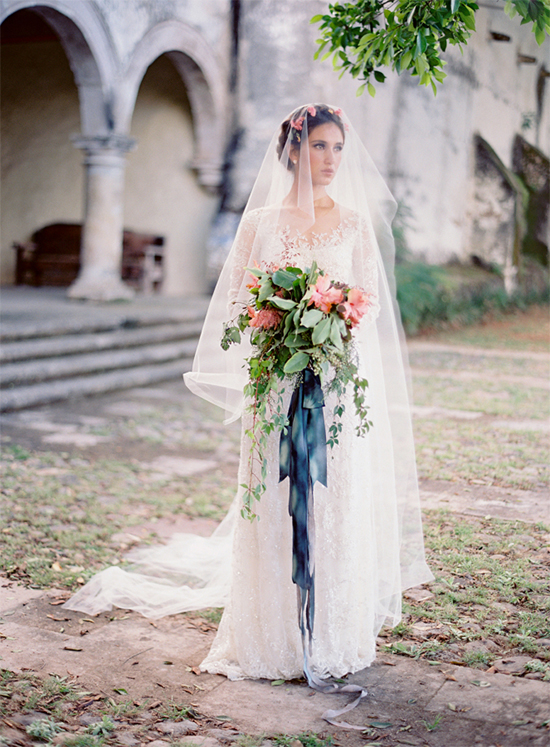 bridewithlongveil2