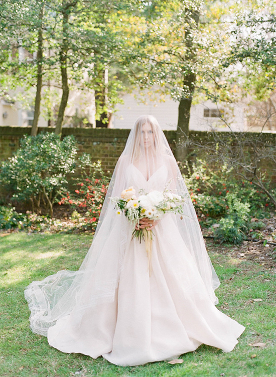 bridewithlongveil3
