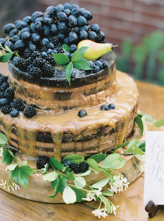 Fall Beautiful Naked Wedding cake ideas 20