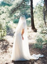 bridewithlongveil4