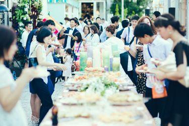 コンセプトウェディング|「make a challenge together」屋外スペースでの自由なパーティー