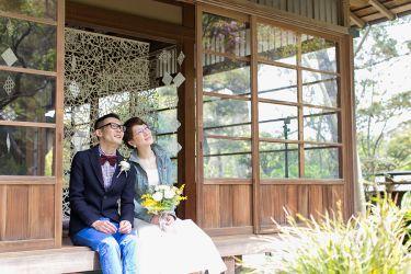 """90年という歴史ある古民家で行われた""""結婚式らしくない""""休日のようなウェディング"""